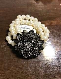 Forever 21 Brand New Pearl Bracelet