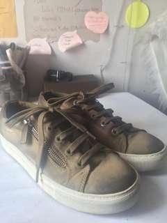 Stadivarius Sneakers Army 38
