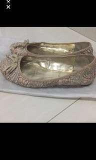 Sepatu Charles David