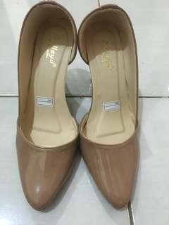 Sepatu high heels nude 9cm