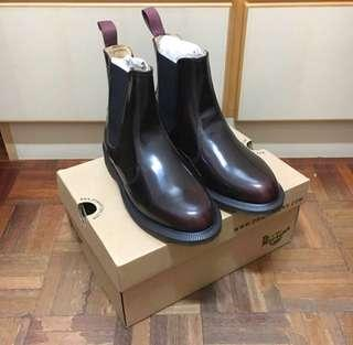 New Dr. Martens Dr Martens AirWair cherry red Flora Arcadia 14650601 uk5 us7 eu 38 boots 全新 酒紅色 鞋 短靴。原價近$1400
