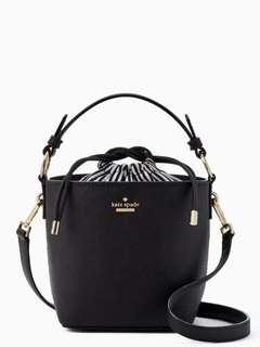 全新 Kate Spade 手袋 輕巧 , 設計特別 內有索袋,女士去街手袋 去婚宴都岩