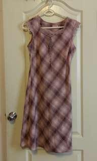 🚚 出清。夏季洋裝。粉紫。格子。修身。