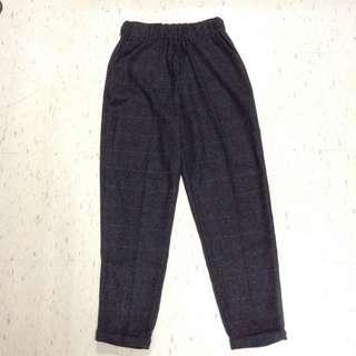 Plaid gray pants