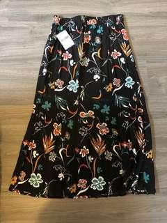Forever 21 maxi skirt *WITH TAGS*