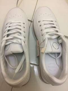 Sepatu pull n bear original