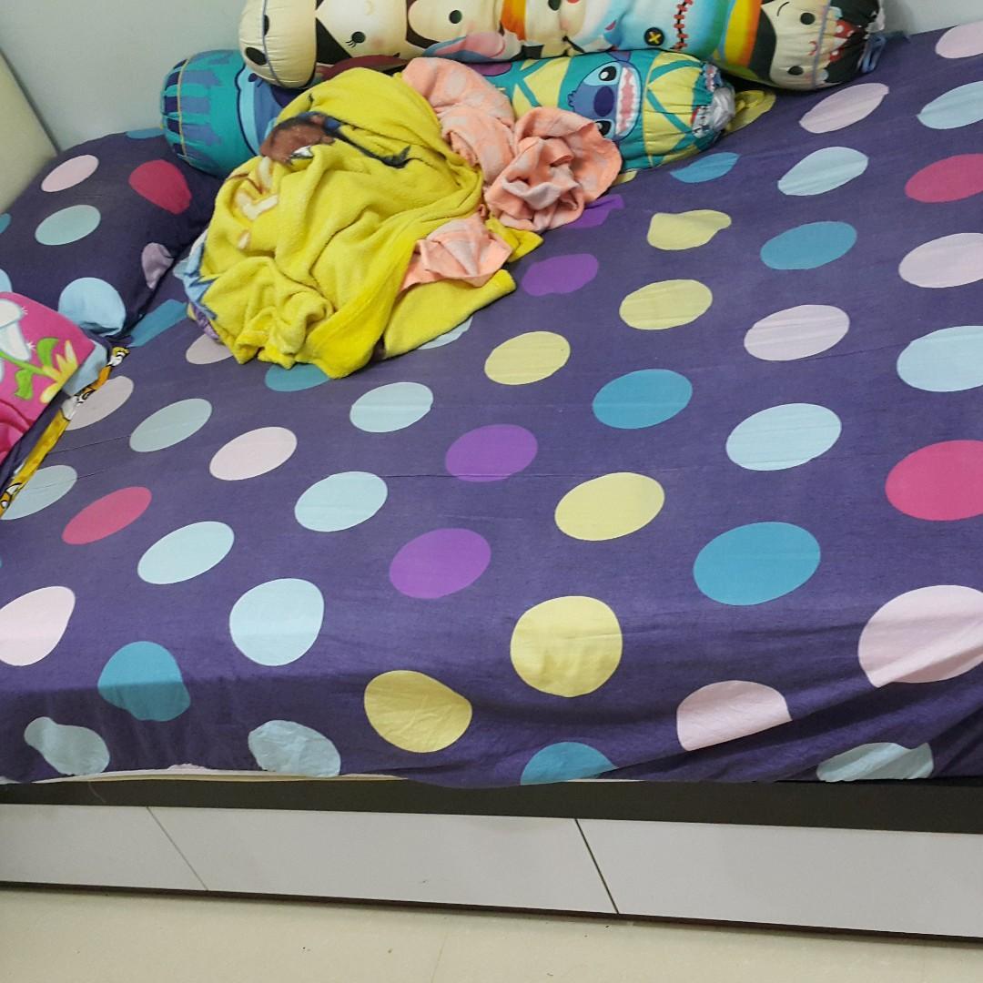 4尺成6尺雙人床  唔包床褥