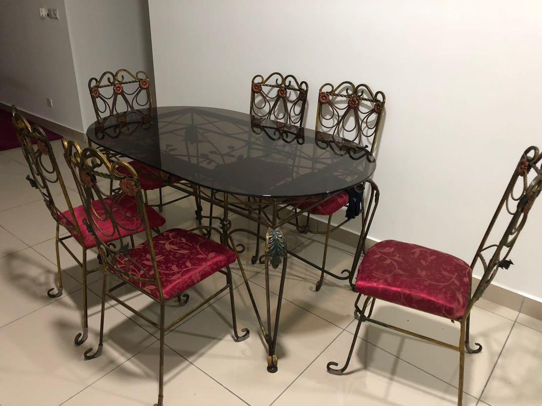 6 seater dining table & crockeries (URGENT)
