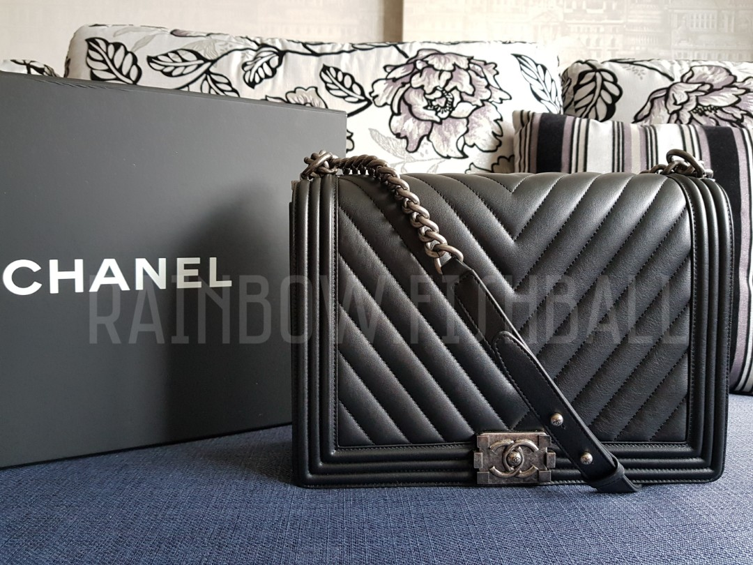 22c5fc026f0f 💕 BRAND NEW CHANEL BOY LARGE CHEVRON IN BLACK LAMBSKIN **This is ...