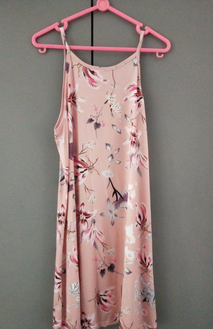 075cb0b591 🧡 [BRAND NEW] Sleeveless Baby Pink Casual Floral Beach Dress ...