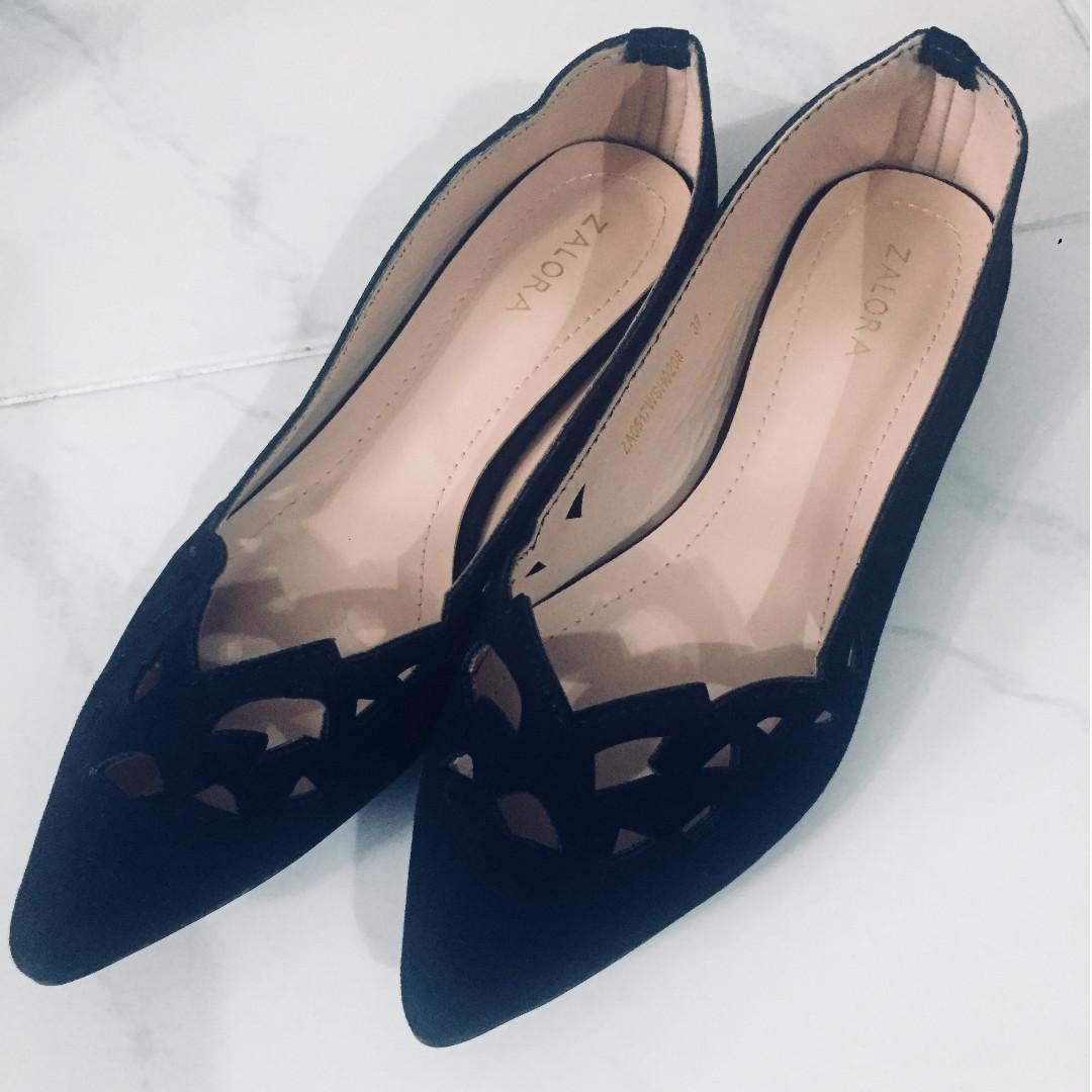 40c56aa77a1 Home · Women s Fashion · Shoes · Flats   Sandals. photo photo photo photo