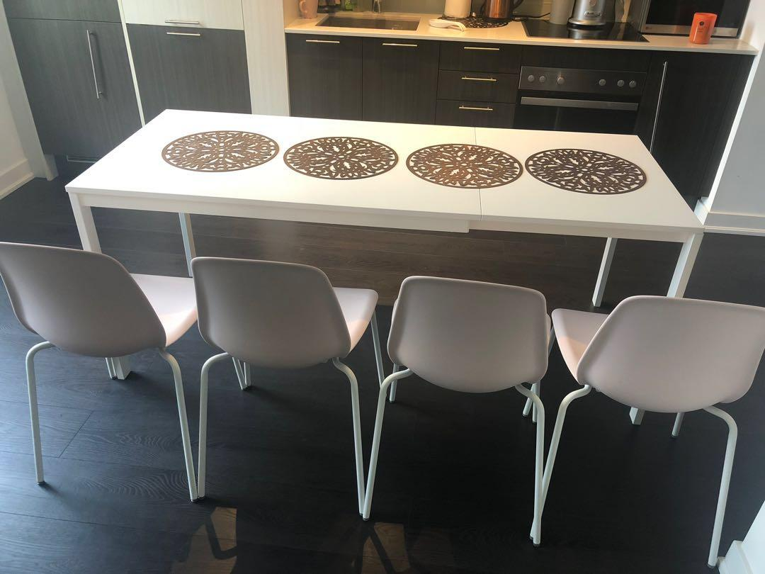 An extendable table with 4 chairs ! Perfect conditions , I bought it 4 months ago and barely used . ( 120 -75 cm , extendable 180-75)