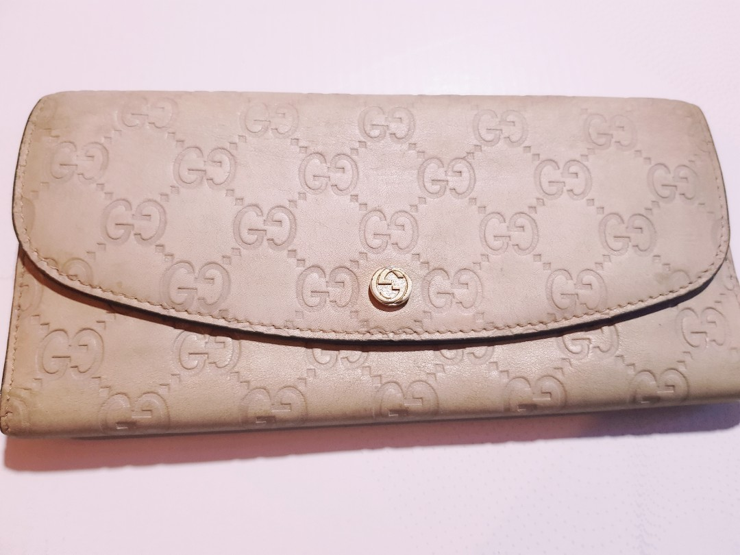 8f3030a2c2e Fast deal pre loved authentic gucci long wallet