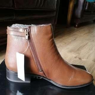 David Jones Australia Leather Ankle Boots Tan
