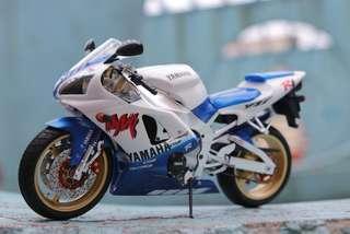 Tamiya Yamaha yzf-R1完成品