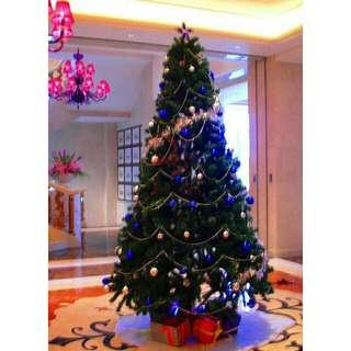 Christmas tree 7 ft 210cm green color