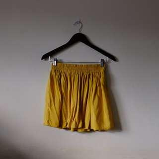 F21! Yellow flowy shorts
