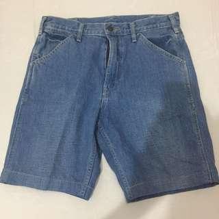 Celana pendek denim Uniqlo