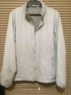 Gray windbreakers jacket