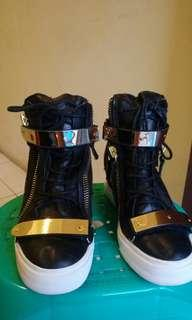 Jennifer Lopez Giuseppe Zannoti wedges Sneaker