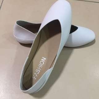 white fashion flat shoes size 38eu