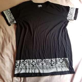 Tshirt dress (mid thigh length)