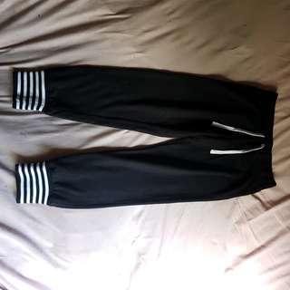 3/4 pants size 6-8