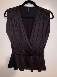 Marciano - silky wrap top - size 4