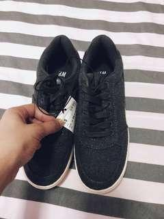 🚚 BNWT H&M Sneakers Shoes