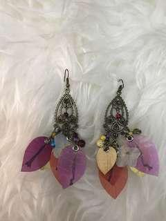 Anting fashion dari bunga asli