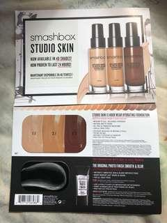 Smashbox studio skin 15 hour wear hydrating foundation sample card (with primer)