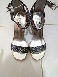 Sepatu pesta heels Payless brash