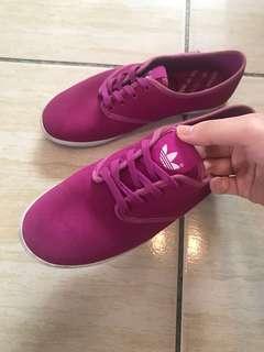 🚚 愛迪達麂皮紫