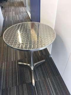枱 Table