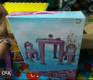 Toys disney table and chair