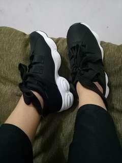Black Korean Shoes