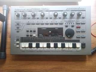 Roland MC-303 Drum Machine/Sequencer