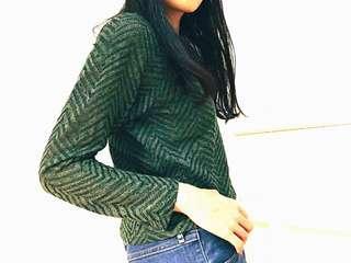 質感😍軍綠針織微透膚短版上衣
