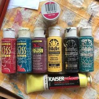 7xacrylic paint + 1 fabric paint
