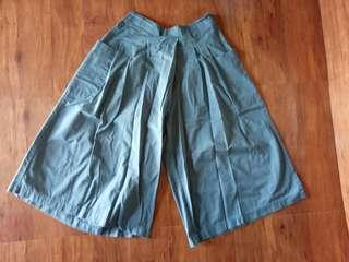 🚚 OB後腰鬆緊側邊打褶設計純色高含棉七分寬褲裙