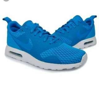 Nike air max Tavas SE blue size 9.5