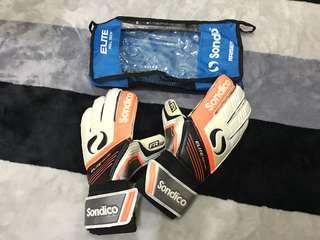 Goalkeeper Gloves Sondico