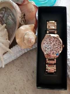 ⌚NEW⌚Women's fashion rose gold leopard print watch