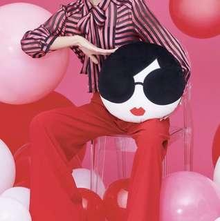 Cushion alice + olivia by Stacey Bendet