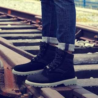 🚚 Mens and Women Couple Boots