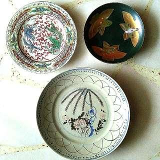 VINTAGE COLLECTABLE PLATES