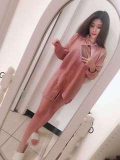 🚚 粉藕色不規則露肩襯衫