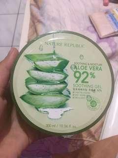 Nature Republic - Shooting & Moisture Aloe Vera 92%