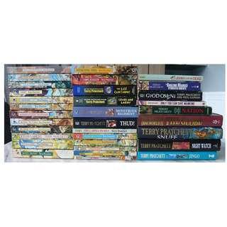33 x Discworld / Terry Pratchett Books / Titles Lot