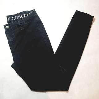 Cotton On - Size 10 - Black Ripped Mid Rise Jegging Jeans